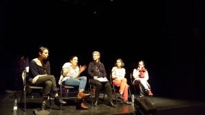 Enmarcado en las actividades con las que feSt quiere potenciar al sector profesional de la ciudad, este nuevo encuentro, celebrado en colaboración con la Unión de Actores e Intérpretes de Sevilla, nos llevó a las tablas de La Fundición para charlar en petit comité con las chicas de Teatro EnVilo.